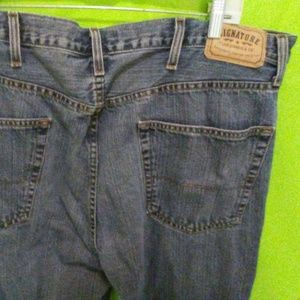 Levis Signature Relaxed Fit Blue Jeans